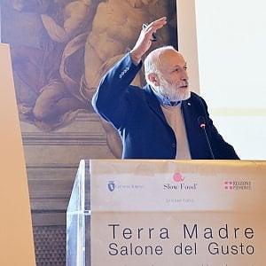 """Terra Madre: """"Nel 2018 mille università a Torino per imparare dai contadini"""""""
