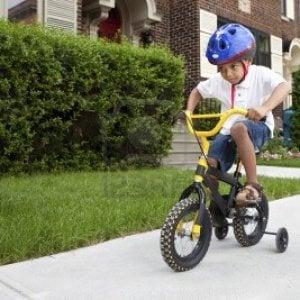 In sella da adulti la prima volta, nulla è impossibile con una bicicletta