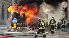 Bus Gtt in fiamme in via Bologna, paura e fumo: terzo caso dell'anno