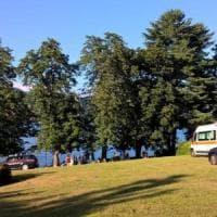 Due bambini annegano per recuperare il pallone, tragedia nel lago d'Orta