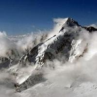 Due alpinisti precipitano sul monte Bianco, muore il capo del soccorso alpino