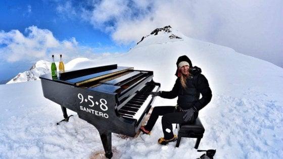Una pianista genovese ha suonato sulle Alpi a 4460 metri