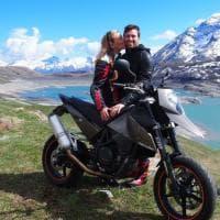 Val Susa, dopo una lite investe col furgone due giovani in moto: muore una ragazza, centauro in fin di vita