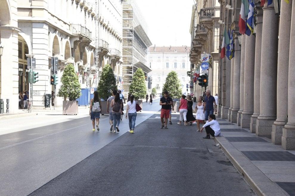 Il centro del centro di Torino orfano delle panchine