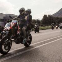 Val Susa, l'omaggio dei biker a Elisa uccisa una settimana fa dopo una lite stradale