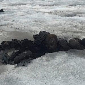 Les Diablerets, il ghiacciaio restituisce 75 anni dopo i corpi di una coppia