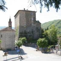 Motociclista esce di strada e muore nelle Langhe, sulla Alba-Borgomale