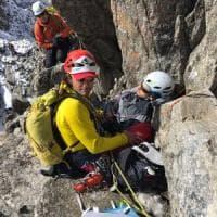 Cede il masso usato come àncora, due alpinisti precipitano sul Monte Bianco