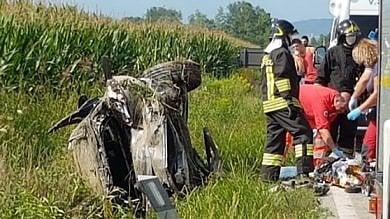 Schianto all'incrocio nel Canavese, morto automobilista settantenne