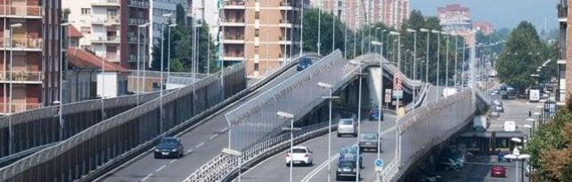 Chiusi i cavalcavia di corso Dante e corso Grosseto, caos per il traffico a Torino/   Foto