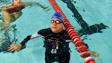 """La sfida dell'atleta non vedente: """"Attraverserò a nuoto lo Stretto""""/   Le foto"""