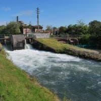Novara, bimbo di due anni sfugge alla madre e muore annegato in un canale artificiale
