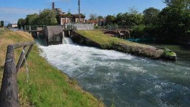 Novara, bimbo di 2 anni sfugge alla madre  e muore annegato in un canale artificiale