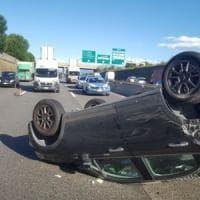 Torino, scontro fra due auto in tangenziale, chiuse due corsie