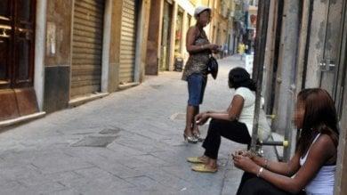 Dai campi profughi in Libia ai marciapiedi in Europa, a Torino la tratta di giovani africane