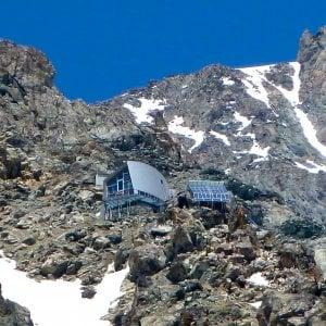 Il nevaio si esaurisce e manca l'acqua, sul Monte Bianco il rifugio chiude