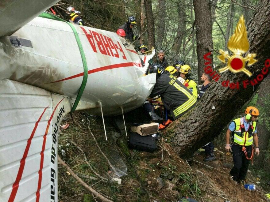 Le immagini dell'incidente aereo al Moncenisio