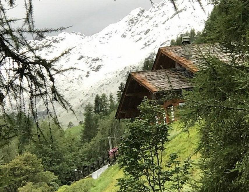 In Val d'Aosta neve d'agosto: montagne imbiancate sopra i 2mila metri