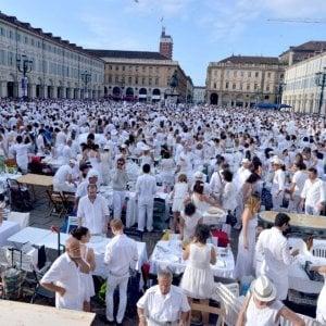 Torino, il giro di vite sulla sicurezza fa una vittima illustre: la cena in bianco