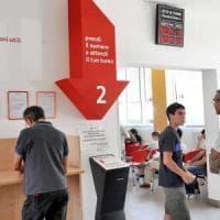 Torino: non può avere la carta di identità, dà in escandescenze e picchia