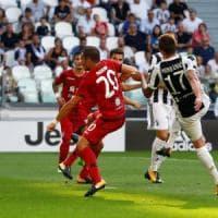 La Juve apre il campionato con un tris: Mandzukic, Dybala e Higuain stendono