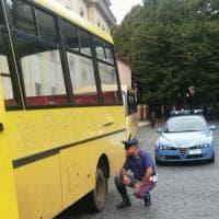 Ovada, scuolabus bocciato alla revisione viaggiava in autostrada carico