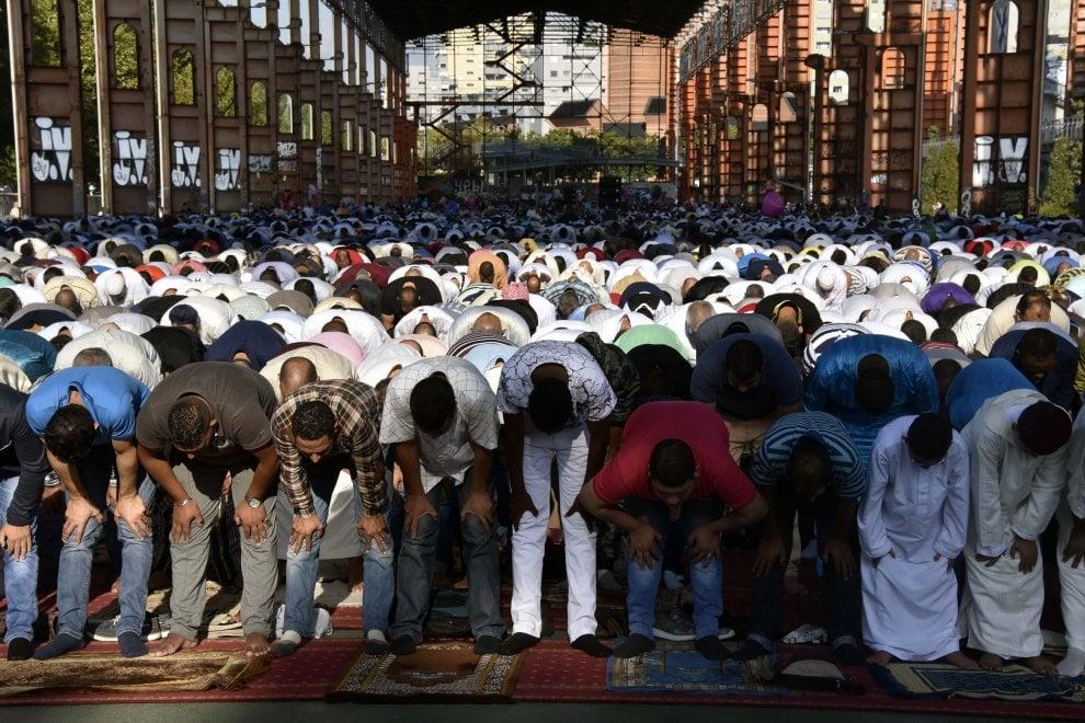 Torino, diecimila islamici al Parco Dora per la Festa del Sacrificio