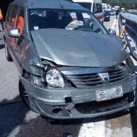 Auto si schianta  contro un cantiere della Torino-Aosta: ferito il conducente