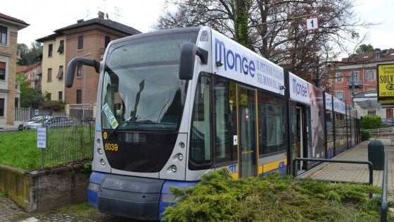 Torino va in pensione il tram 6 sar sostituito da una - Collegamento torino porta nuova aeroporto caselle ...