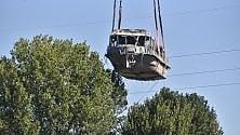 """Una barca """"sul"""" bosco: Valentina recuperata dal Po """"vola"""" sugli alberi"""