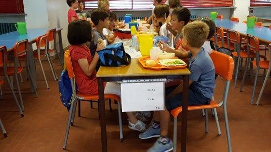 Torino, sovrattassa per gli alunni che pranzano con il panino della mamma