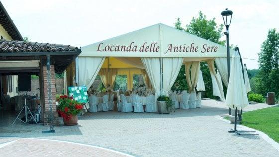 """Morto dopo pranzo nuziale ad Asti, spunta l'ipotesi dello stafilococco o del """"virus delle crociere"""""""