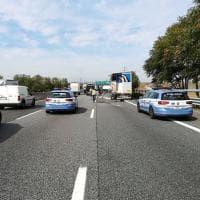 Torino, scontro tra mezzi pesanti blocca la tangenziale: due feriti
