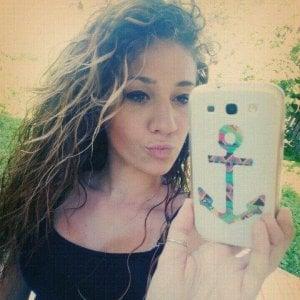 Chivasso, muore improvvisamente ragazza di 22 anni. Malore in casa di un amico