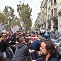 Cortei anti G7, scontri in centro fra manifestanti e polizia