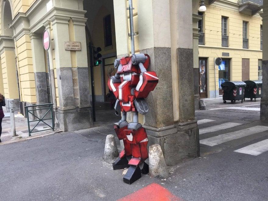 Street Art: a Porta Nuova un nuovo Transformer di Labadanzky