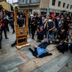 G7, domani nuova manifestazione degli antagonisti contro l'arresto del leader di Askatsuna