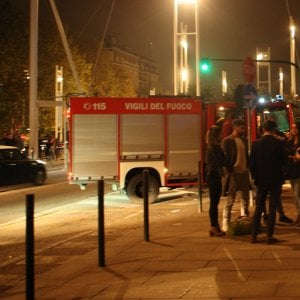 Torino: si addormenta con la sigaretta accesa, muore tra le fiamme del suo alloggio