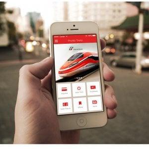 """Trenitalia lancia in Piemonte la """"app"""" che segnala i ritardi sullo smartphone dei pendolari"""
