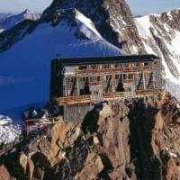 Capanna Margherita, termometro sopra lo zero al rifugio più alto d'Europa
