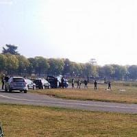 Vercelli, carabiniere paracadutista tenta una manovra in atterraggio, si schianta e muore