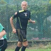 Vercelli, troppe proteste dei giocatori in campo: l'arbitro abbandona la partita