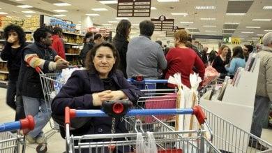 Asti, sconto sulle tasse ai negozianti che portano la spesa a domicilio di anziani e disabili