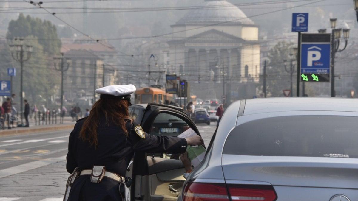 Torino, la qualità dellaria non migliora: si va verso il blocco dei ...