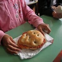 Torino, fuga dalle mense scolastiche: quest'anno un alunno su sei sceglie il panino, caso...