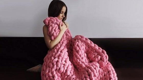 """""""Gomitolo rosa"""", il lavoro a maglia per recuperare equilibrio e benessere"""