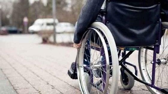 Sedie A Rotelle Torino : In sedia a rotelle investito da auto sulle strisce anziano muore