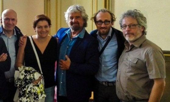 Consigliera abbandona il M5s, cancellata dalla foto con Beppe Grillo