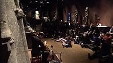 Con i cuscini al Museo Egizio per il concerto    jazz nella sala dei Re
