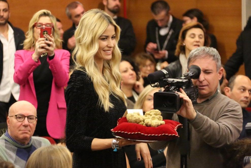 Il tartufo d'Alba venduto nel deserto: asta da 370mila euro tra Hong Kong e Dubai